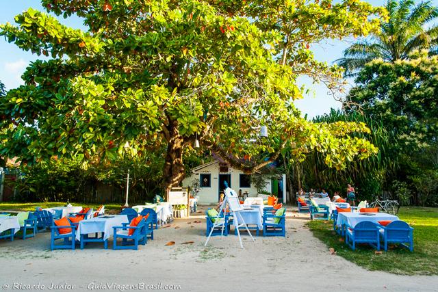 Restaurante no Quadrado, a vila de Trancoso, na Bahia. Photograph by Ricardo Junior / www.ricardojuniorfotografias.com.br