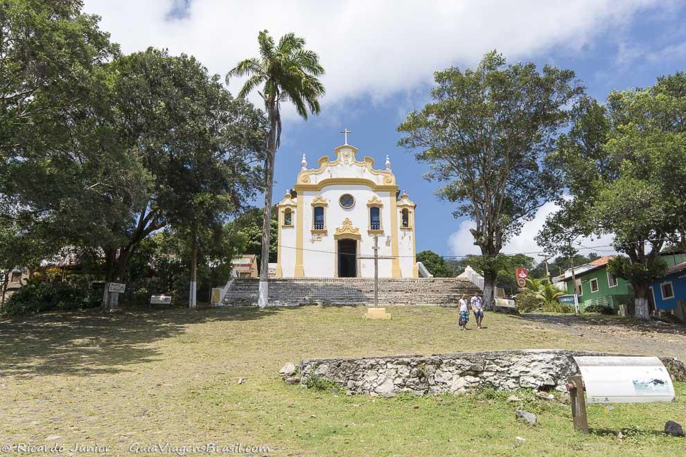 Igreja de Nossa Senhora dos Remédios, onde a vila começou, em Fernando de Noronha. Photograph by Ricardo Junior / www.ricardojuniorfotografias.com.br