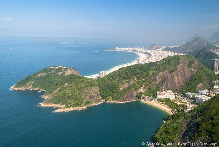 Imagem aérea da praia de Copacabana, no Rio de Janeiro - Photograph by Ricardo Junior / www.ricardojuniorfotografias.com.br