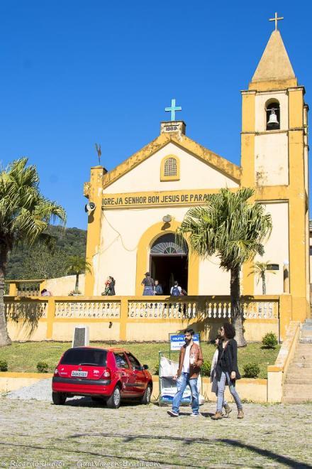 Igreja Senhor Bom Jesus de Paranapiacaba, na parte alta da vila, oferece bela vista da região. Photograph by Ricardo Junior / www.ricardojuniorfotografias.com.br