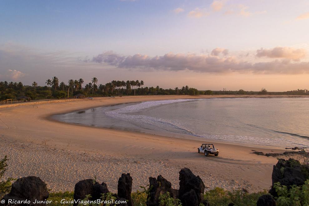 Entardecer na Praia de Tourinhos, com vista a partir da duna petrificada, em São Miguel do Gostoso, RN. Photograph by Ricardo Junior / www.ricardojuniorfotografias.com.br