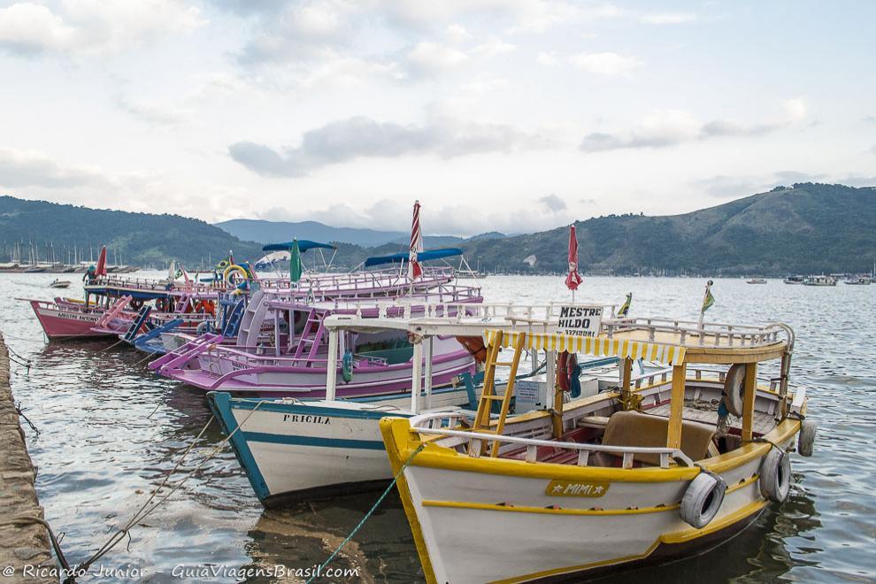 foto-barcos-em-paraty-rj