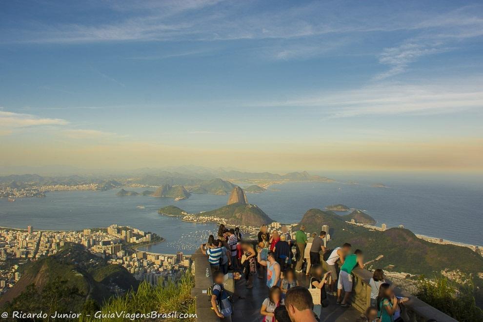 Baía de Guanabara vista do Cristo Redentor, Corcovado, Rio de Janeiro. Fotos de Ricardo Junior / www.ricardojuniorfotografias.com.br