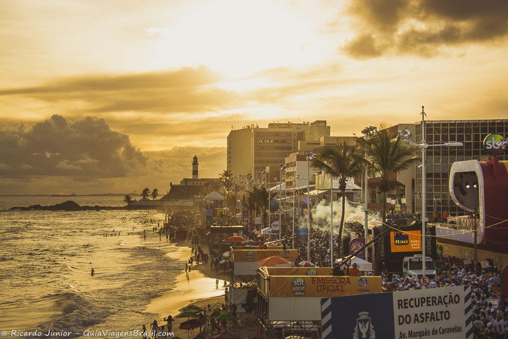 Circuito Barra-Ondina no Carnaval de Salvador, na Bahia. Fotos de Ricardo Junior / www.ricardojuniorfotografias.com.br