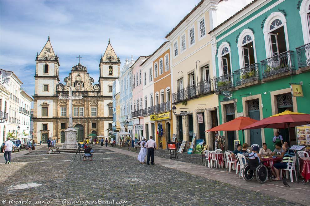 O histórico bairro do Pelourinho, onde ocorre um dos circuitos do Carnaval de Salvador, na Bahia. Fotos de Ricardo Junior / www.ricardojuniorfotografias.com.br