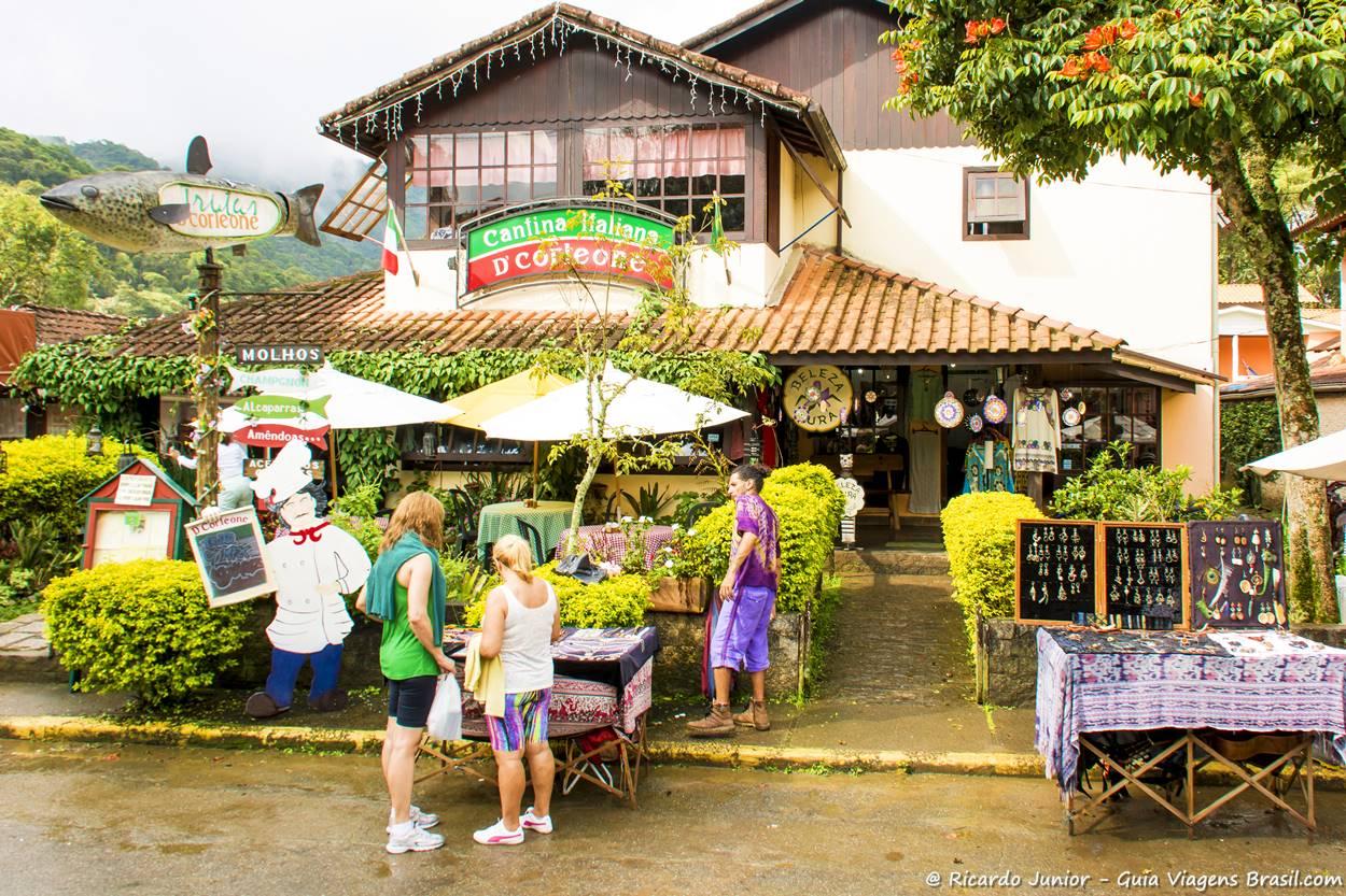 visconde-de-maua-rj-restaurante-na-parte-carioca-da-vila-de-maringá