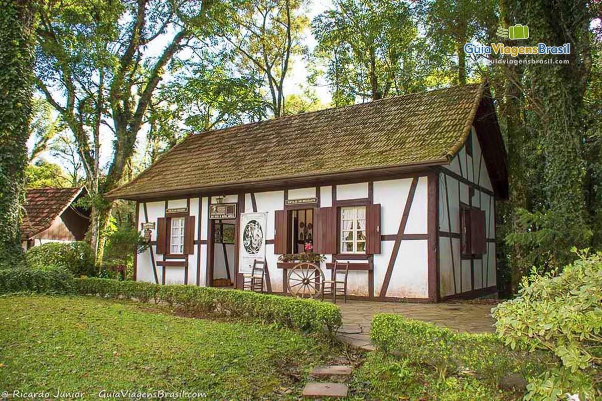 Casinha típica da Colônia Alemã no Parque Aldeia do Imigrante, em Nova Petrópolis, RS. Fotos de Ricardo Junior / www.ricardojuniorfotografias.com.br