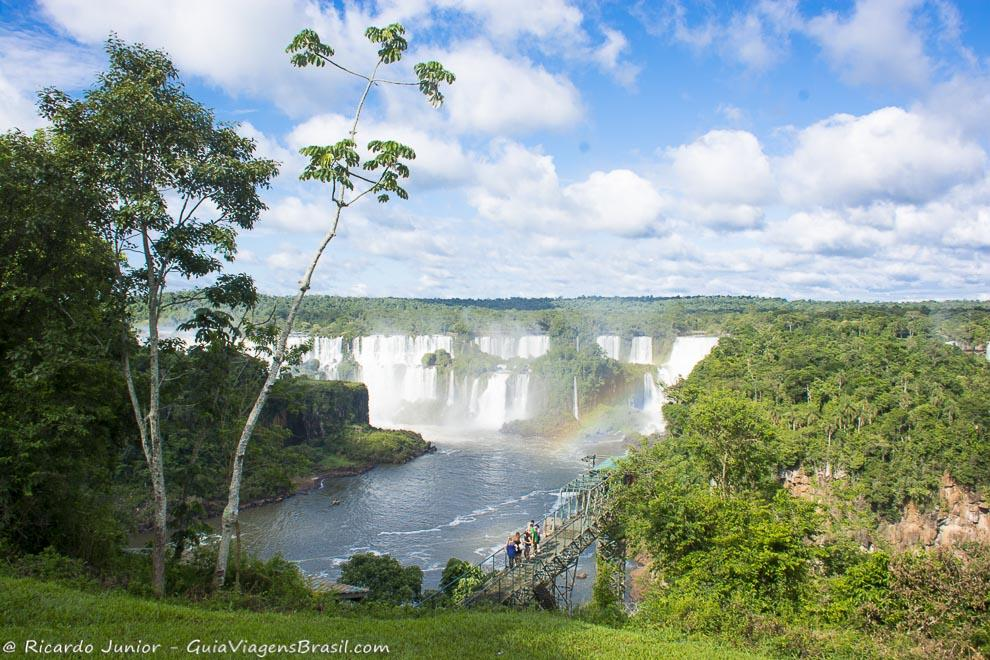As lindíssimas Cataratas no Parque Nacional do Iguaçu, em Foz do Iguaçu, Paraná. Fotos de Ricardo Junior / www.ricardojuniorfotografias.com.br