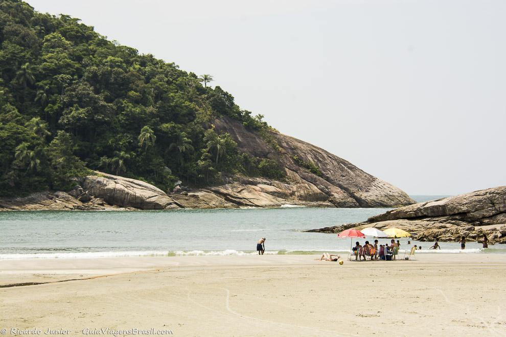 Praia de Pernambuco, no Guarujá, a preferida de quem viaja com crianças. Fotos de Ricardo Junior / www.ricardojuniorfotografias.com.br