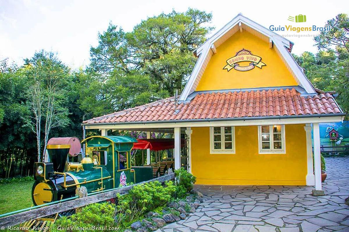 Estação de trem do passeio pelo Parque do Caracol, em Canela, RS. Fotos de Ricardo Junior / www.ricardojuniorfotografias.com.br