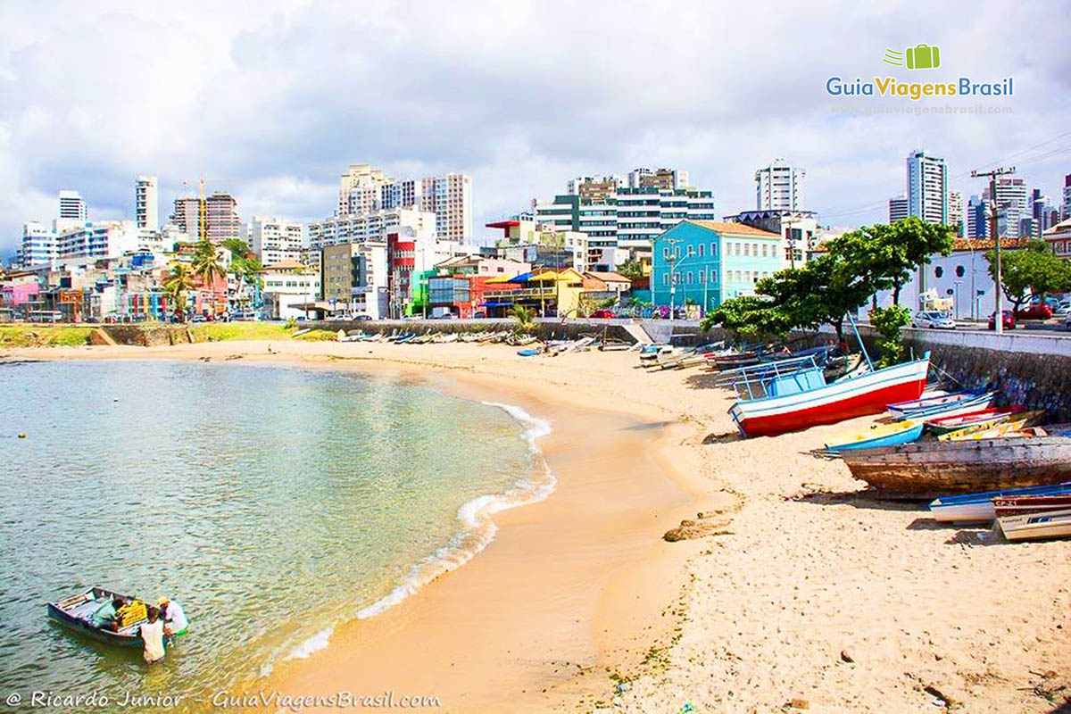 Foto orla da Praia do Rio Vermelho, Salvador, BA.