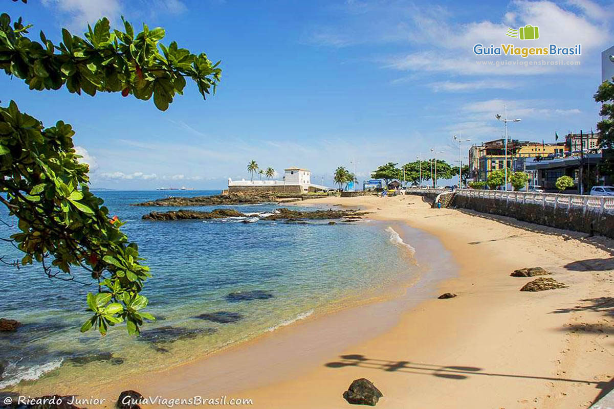 Praia do Porto da Barra, em Salvador, BA. Fotos de Ricardo Junior / www.ricardojuniorfotografias.com.br