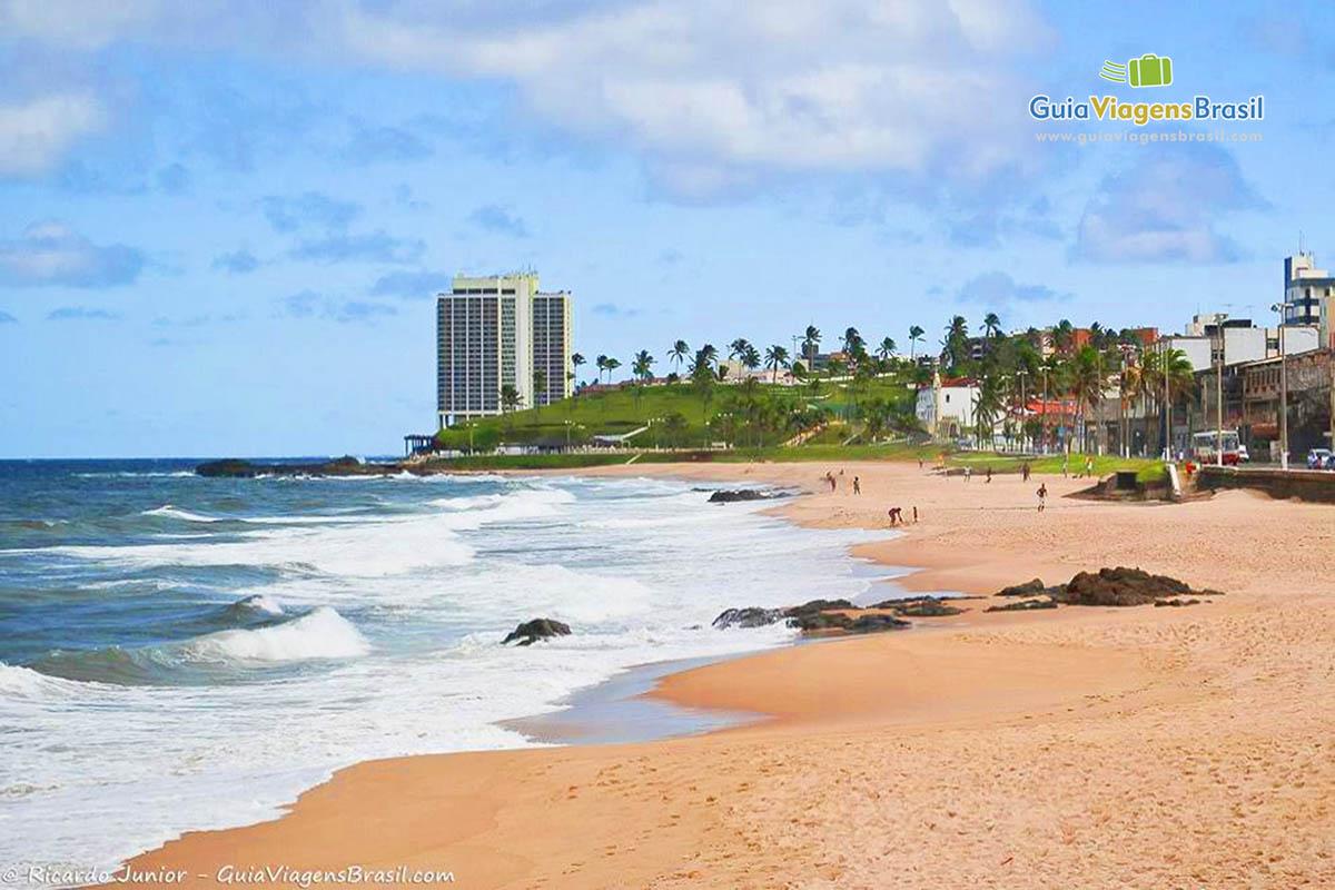 Praia de Amaralina, em Salvador, BA. Fotos de Ricardo Junior / www.ricardojuniorfotografias.com.br
