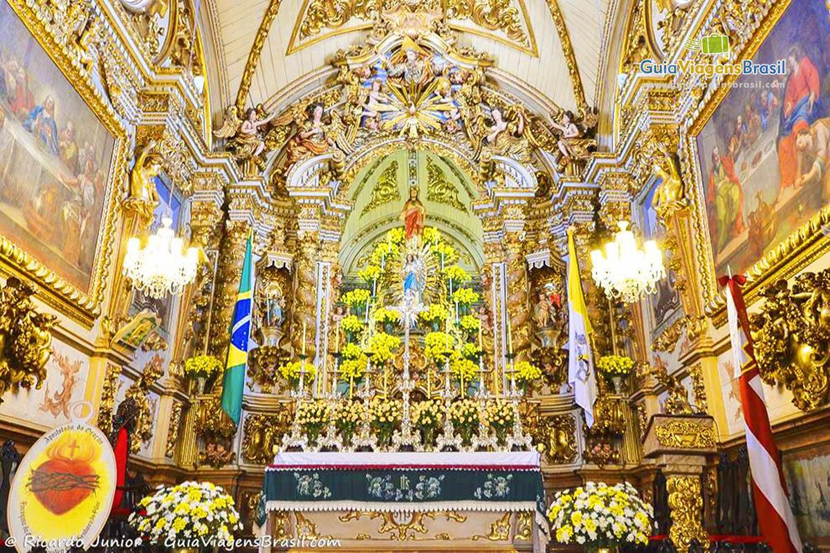 A exuberância do altar-mor da Igreja Matriz de Nossa Senhora do Pilar, em São João Del Rei, MG. Fotos de Ricardo Junior / www.ricardojuniorfotografias.com.br