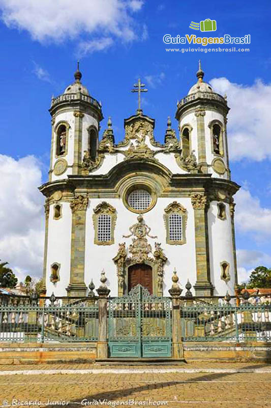 Igreja de São Francisco de Assis, cartão-postal tombado de São João Del Rei, MG. Fotos de Ricardo Junior / www.ricardojuniorfotografias.com.br