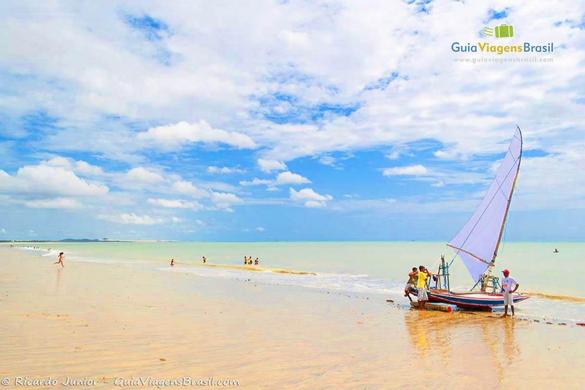 Praia de Cumbuco, em Caucaia, a 30 km de Fortaleza, CE. Fotos de Ricardo Junior / www.ricardojuniorfotografias.com.br