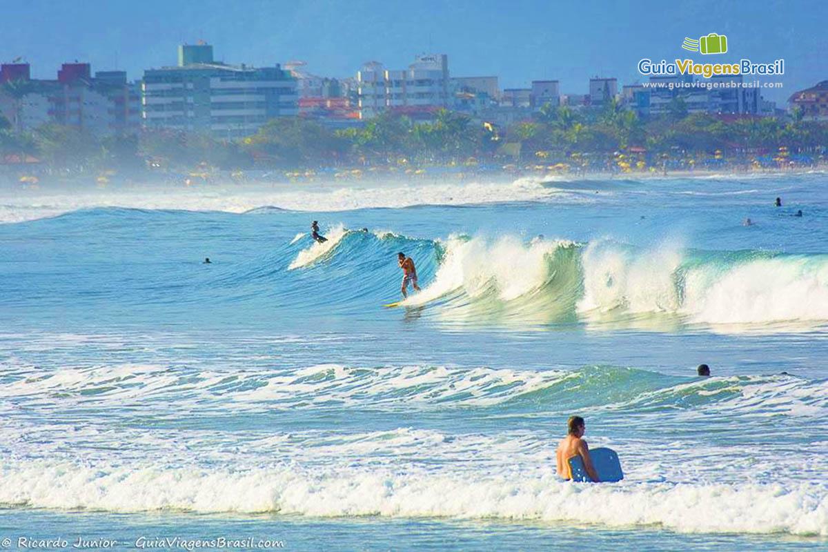 ondas-praia-toninhas-ubatuba-sp