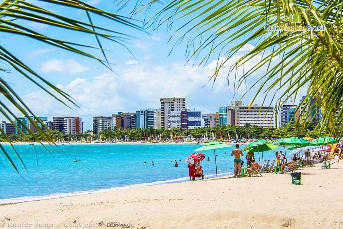 foto-praia-de-ponta-verde-em-alagoas-brasil-3550
