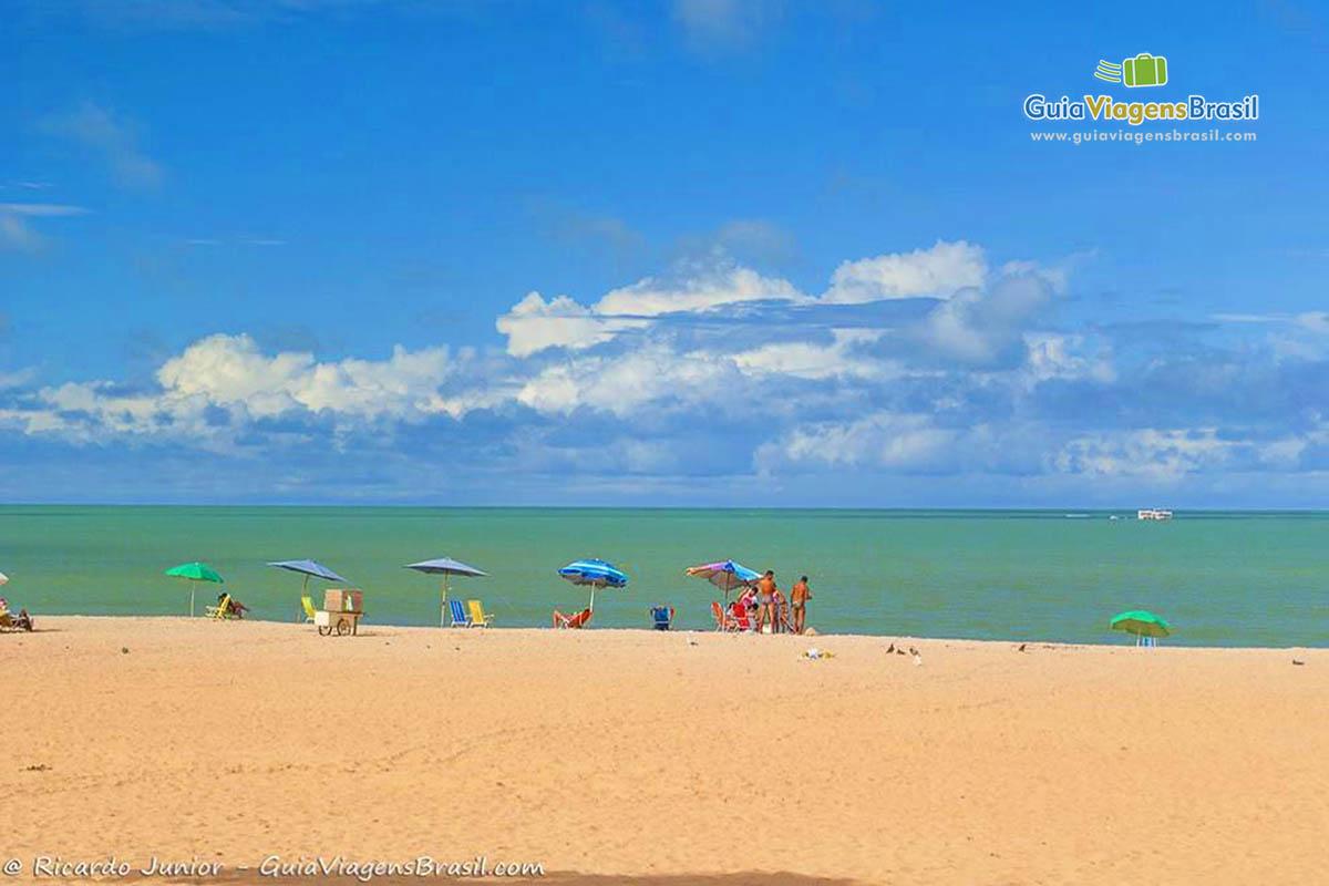 coloridos-guarda-sol-praia-tambau-joao-pessoa-pb