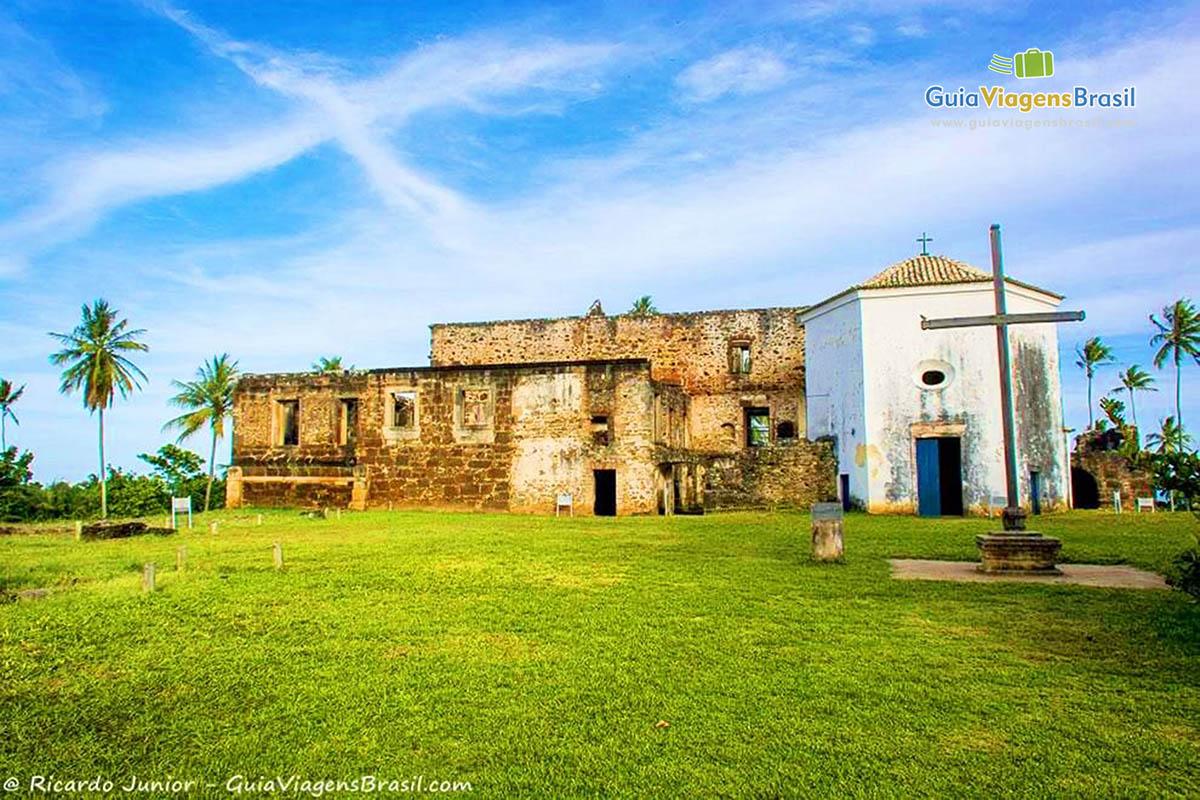 foto-castelo-davila-na praia-do-forte-bahia-brasil-2023