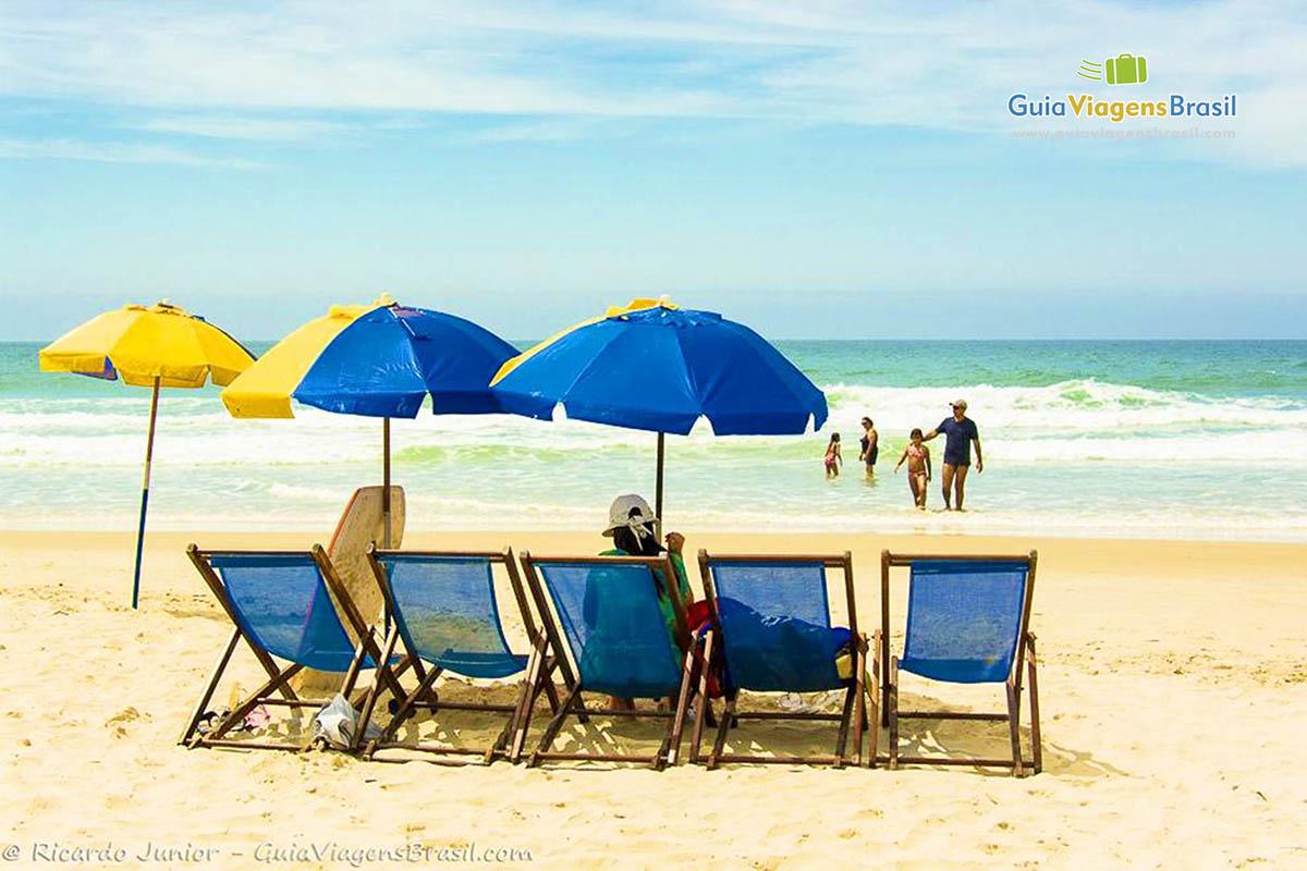 guarda-sol-praia-do-santinho-florianopolis-sc