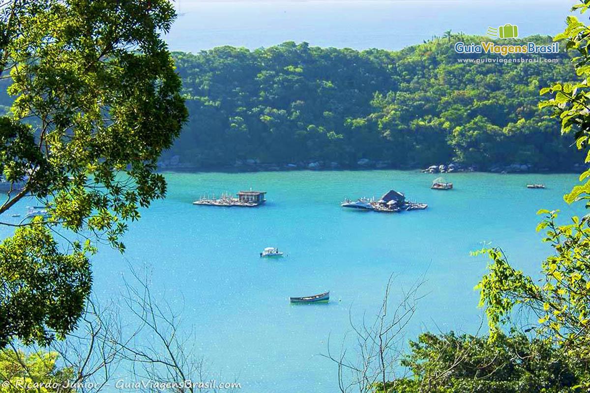 mar-azul-praia-caixa-daco-porto-belo-sc