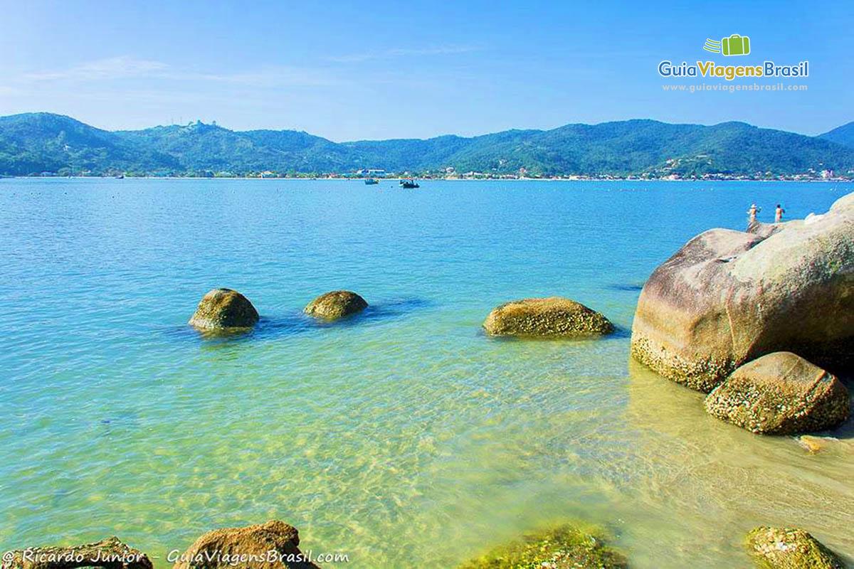 pedras-ilha-porto-belo-sc