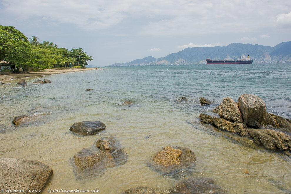 aguas-cristalinas-praia-do-pinto-ilha-bela-sp