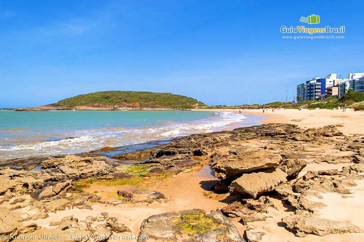 foto-pedras-praia-peracanga-guarapari-es