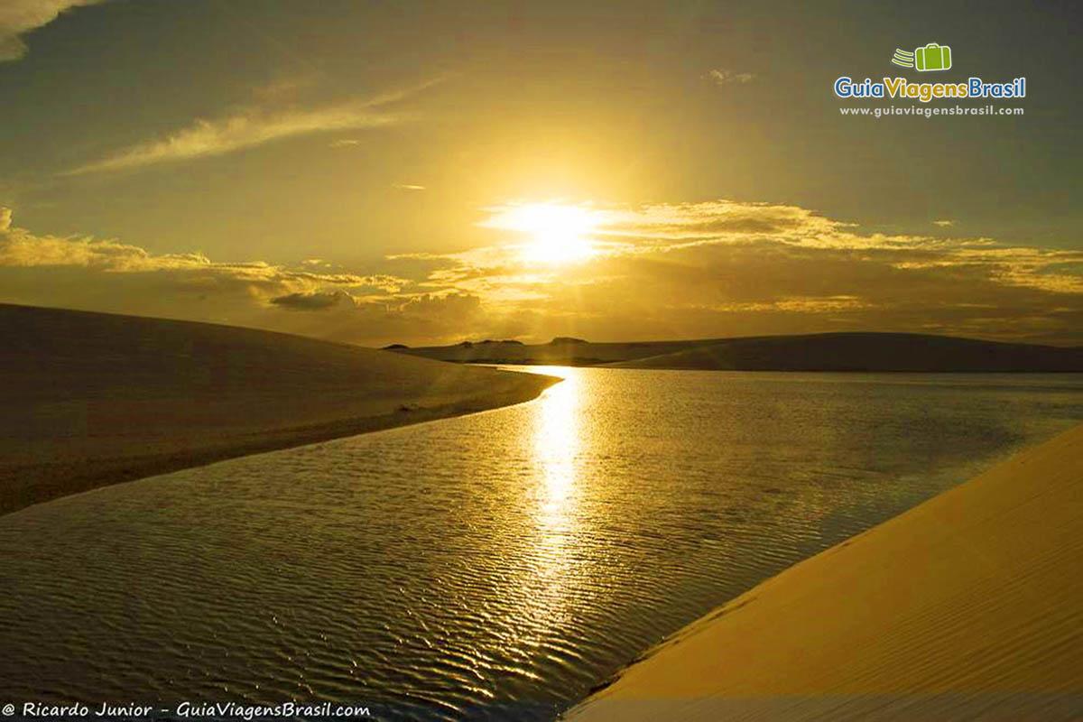 por-do-sol-dunas-circuito-lagoa-azul-barreirinhas-ma