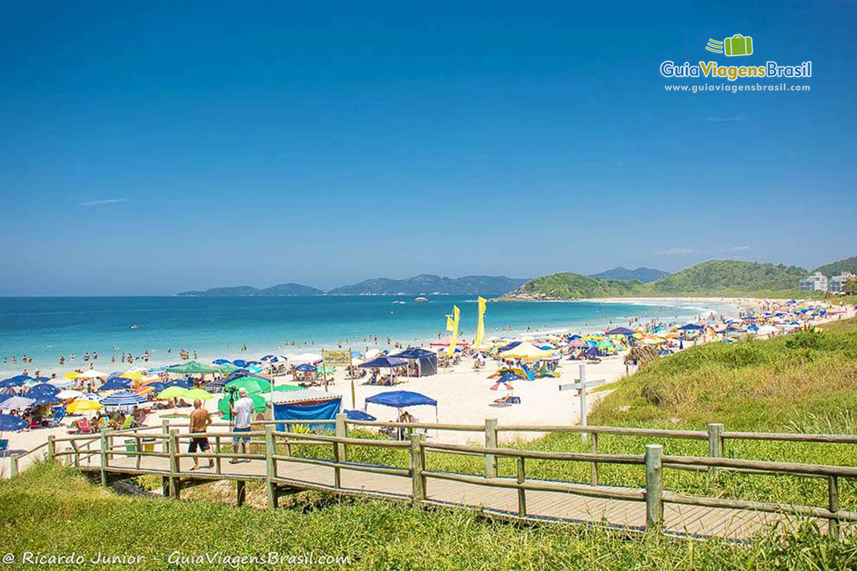 foto-praia-quatro-ilhas-bombinhas-sc