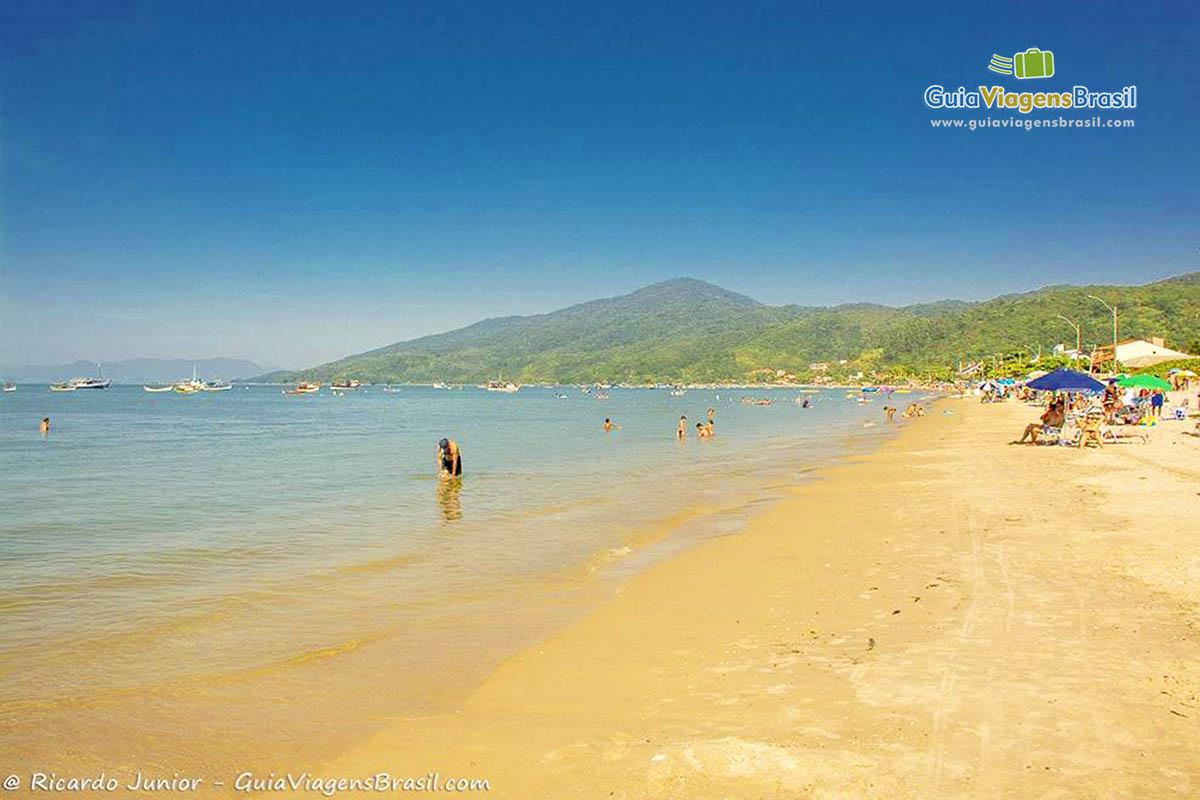 foto-praia-zimbros-bombinhas-sc
