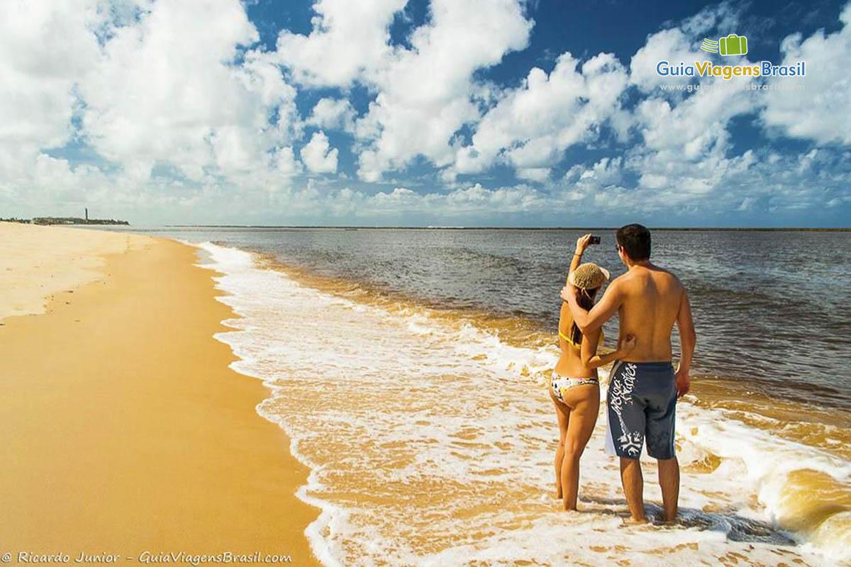 casal-praia-gunga-alagoas