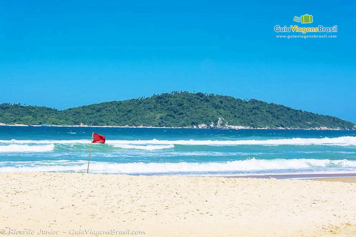 mar-azul-praia-do-campeche-florianopolis-sc
