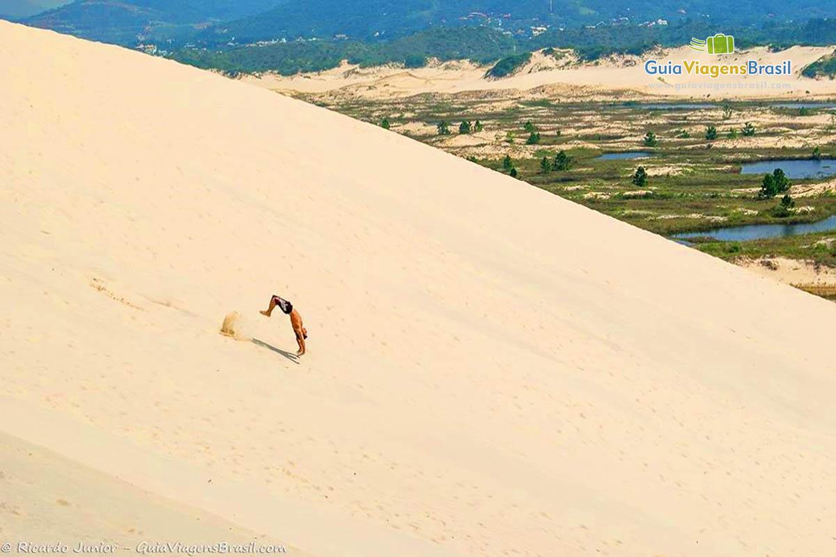 salto-dunas-joaquina-florianopolis