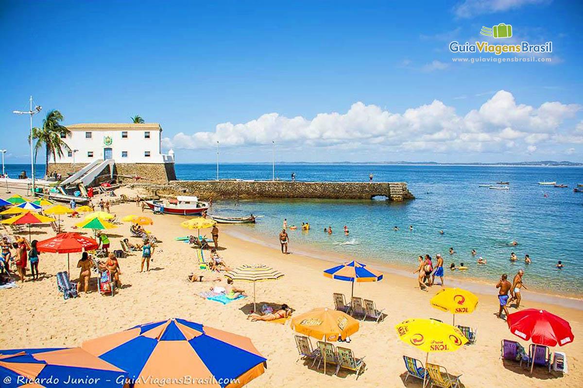 Foto Praia do Porto da Barra, em Salvador, BA.