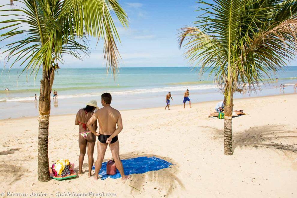Foto Casal na Praia de Taperapuan, Porto Seguro.