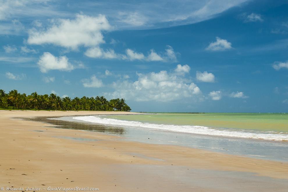 Foto orla esquerda da Praia de Ipioca, Maceió.