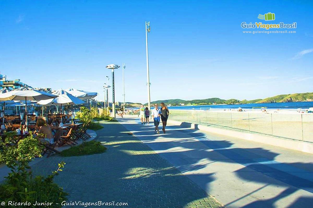 Foto calçadão da Praia do Forte, Cabo Frio.