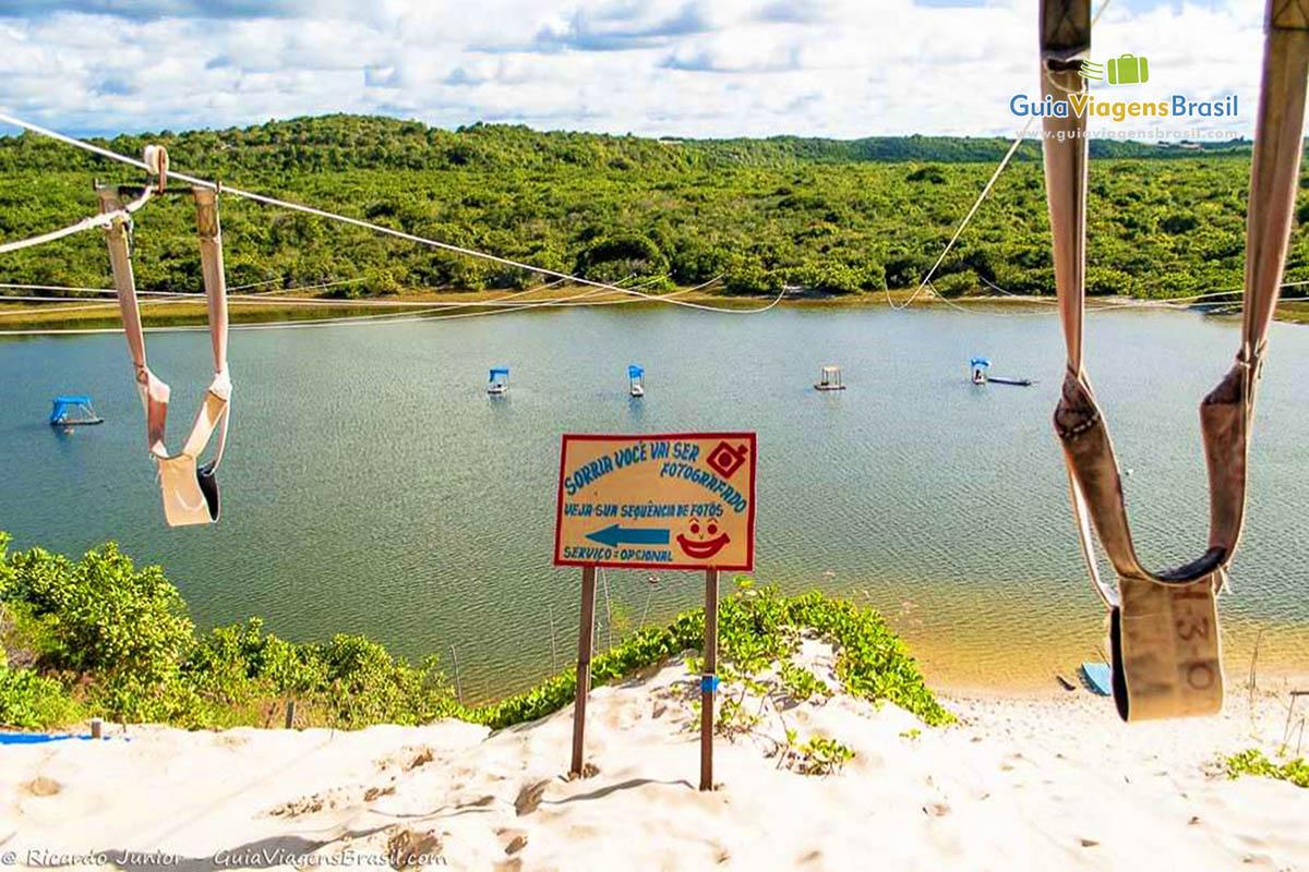 Esquibunda e tirolesa na Lagoa de Jacumã, Natal, RN.