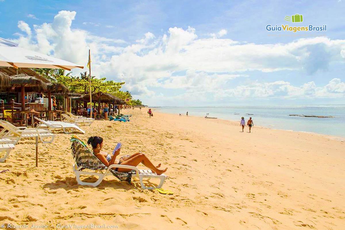 Foto Praia do Mucugê, a mais central de Arraial D`Ajuda, na Bahia.