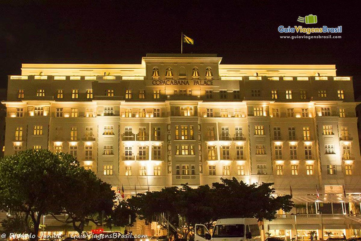 Foto iluminação Copacabana Palace, Rio de Janeiro, RJ.