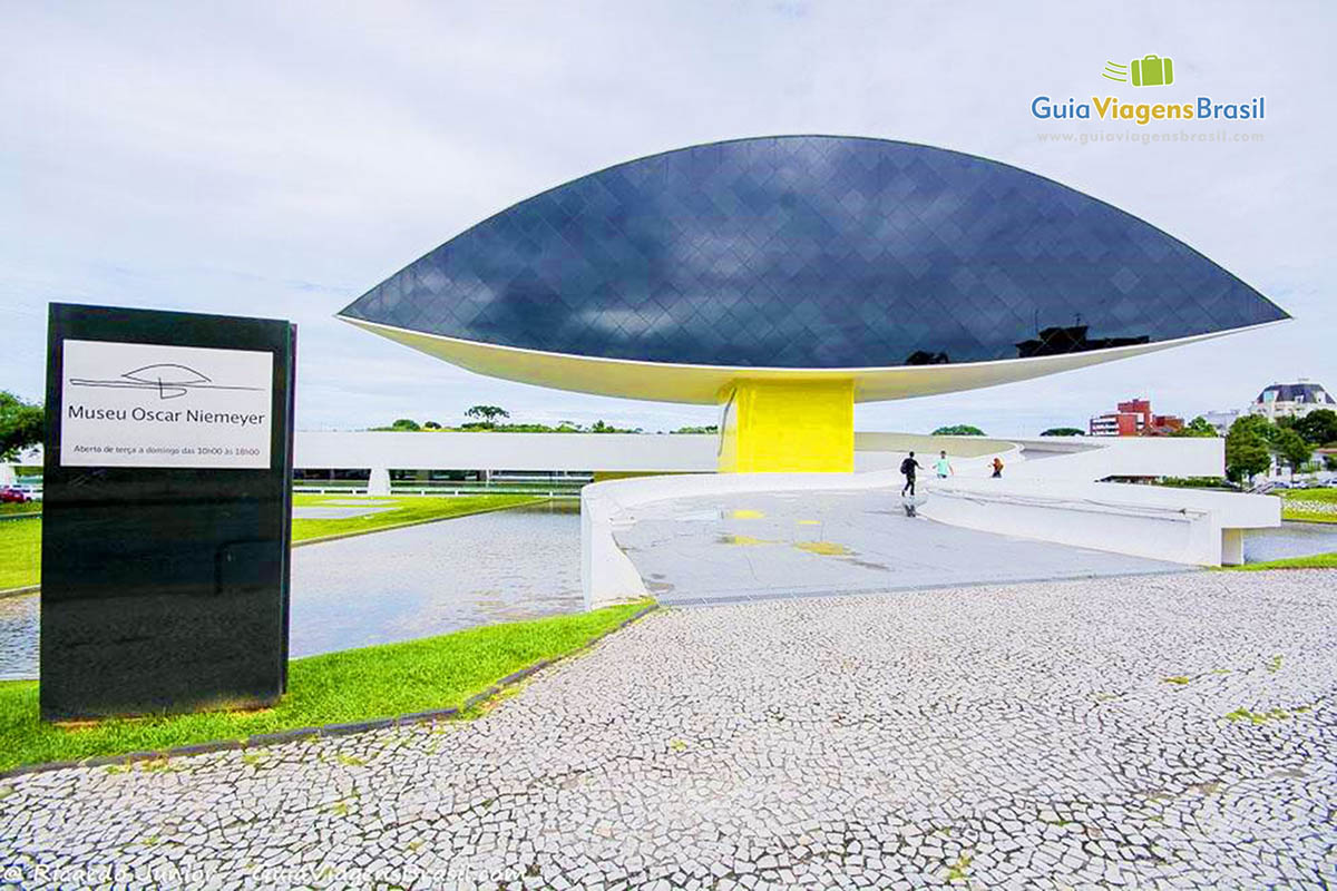 Foto Museu Oscar Niemeyer, Curitiba, PR.