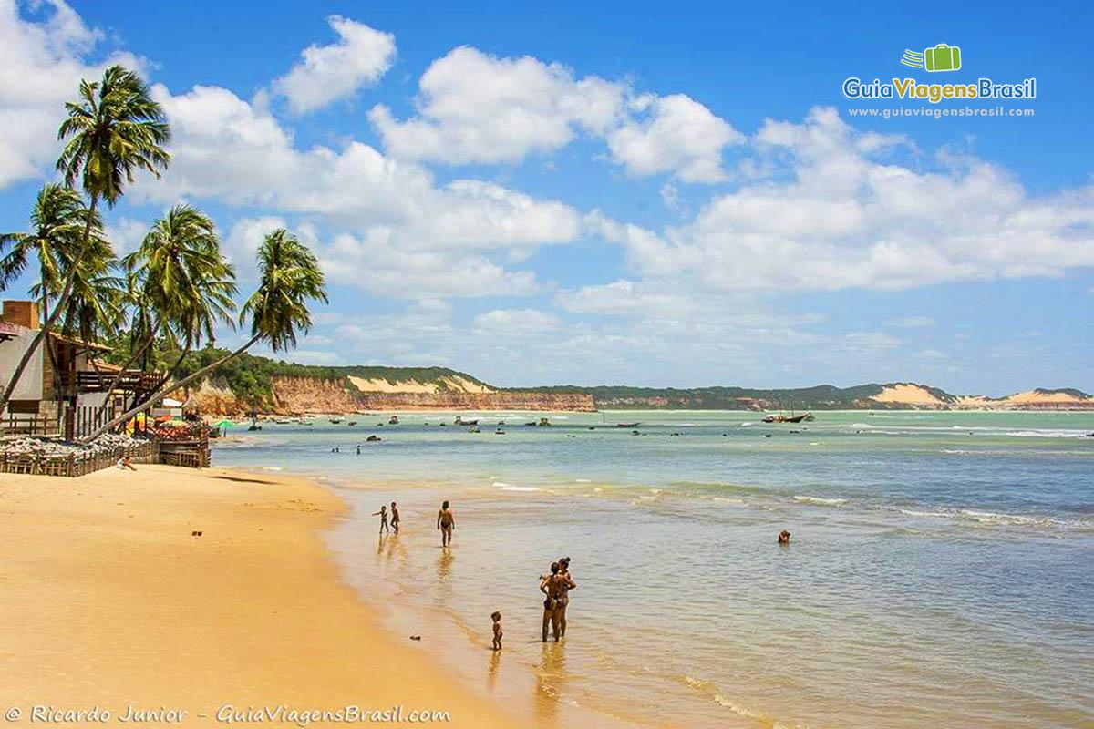 Foto orla Praia de Pipa, RN.