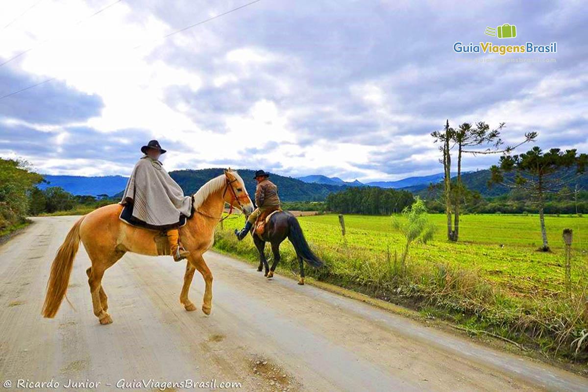 Foto passeio a cavalo na Serra Catarinense.