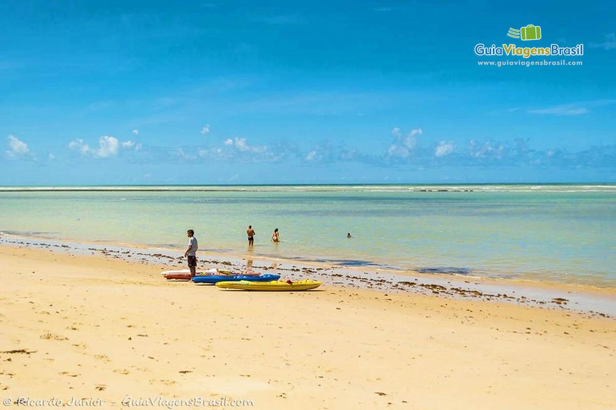 Foto Praia de Araçaípe, em Arraial D`Ajuda, na Bahia.