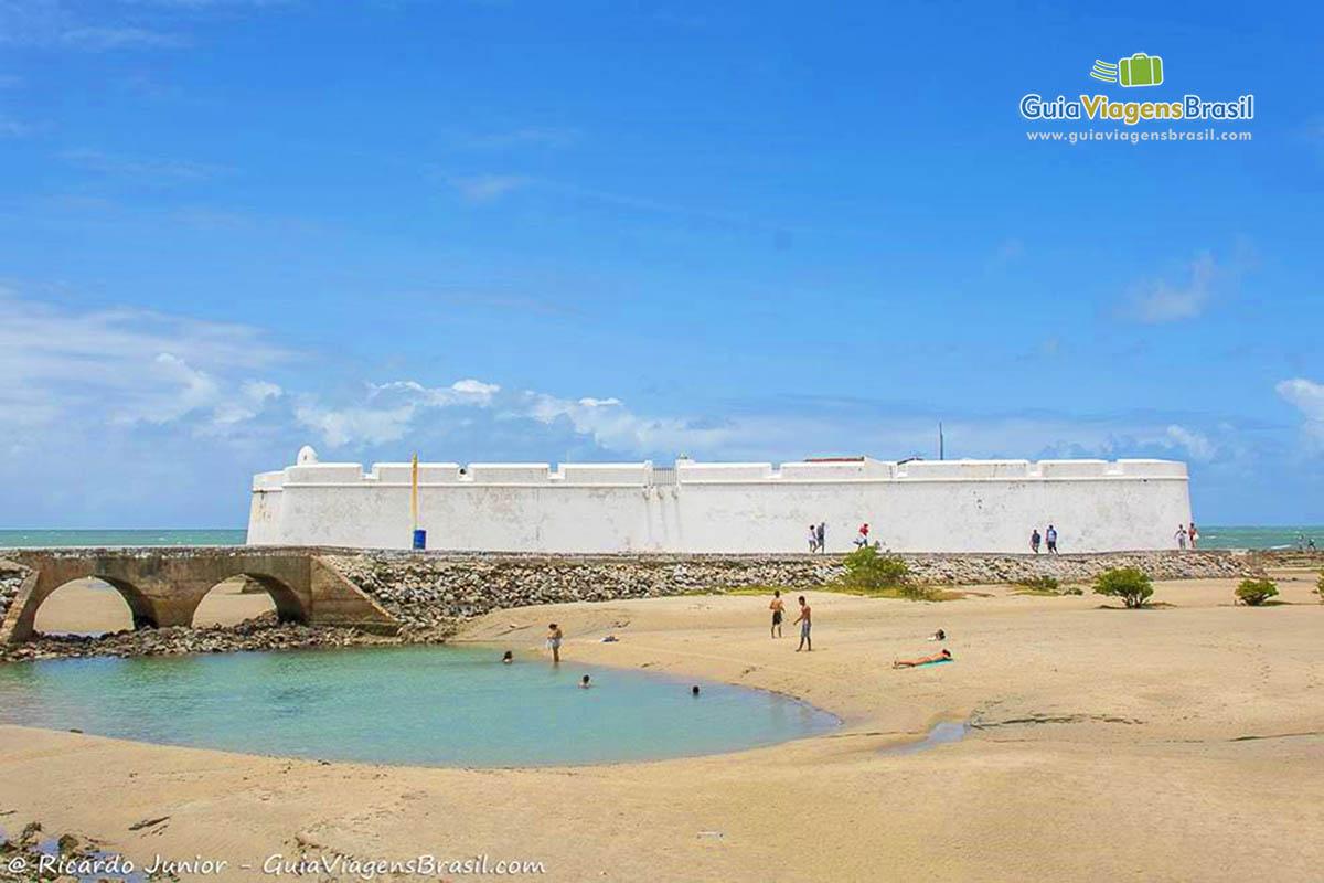 Foto da Praia e do Forte dos Reis Magos, Natal, RN.