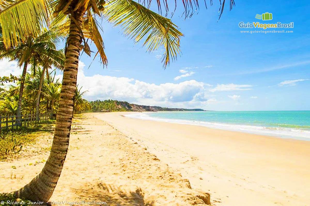 Foto Praia do Rio da Barra, em Trancoso, BA.