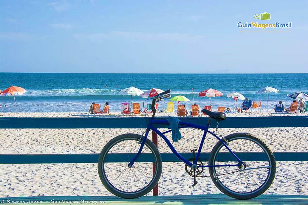 Foto Praia de Cambury em São Sebastião, SP.