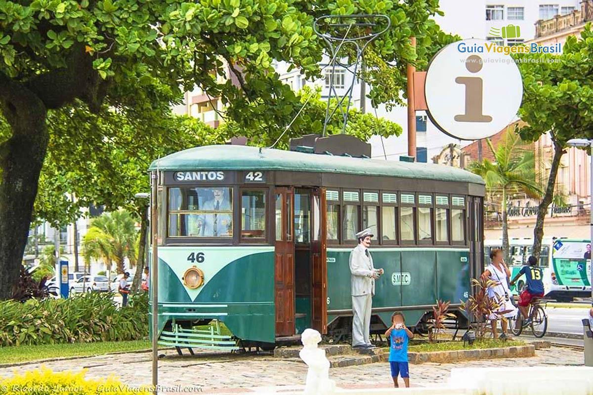 Foto bondinho em Santos, SP.